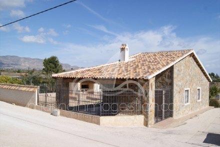 Chalet independiente, Situado en Albatera Alicante 1