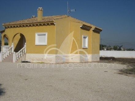 Chalet independiente, Situado en Catral Alicante 1