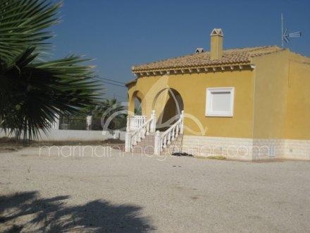 Chalet independiente, Situado en Catral Alicante 2