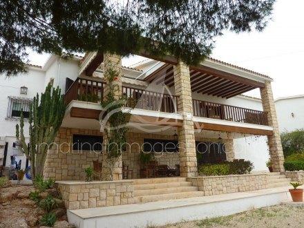 Chalet independiente, Situado en Santa Pola Alicante 3