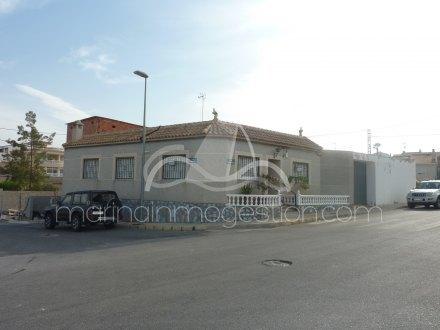 Chalet, Situado en Benijófar Alicante 15