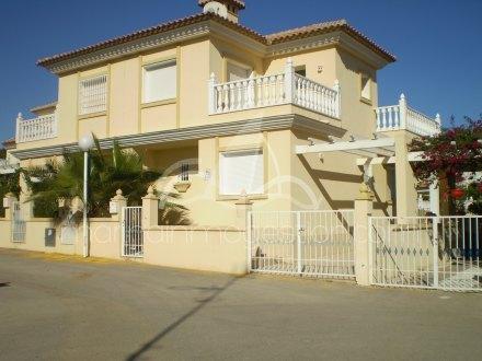 Chalet, Situado en Torrevieja Alicante 1