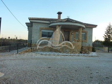 Chalet independiente, Situado en Callosa de Segura Alicante 17